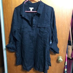 Old navy black tunic with 3/4 length sleeves.